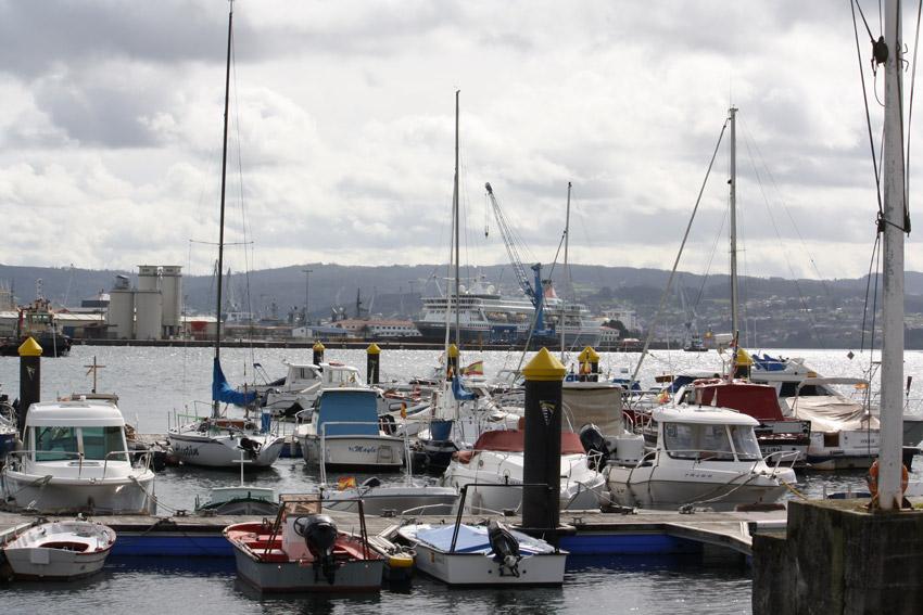 Vista del puerto deportivo A Graña